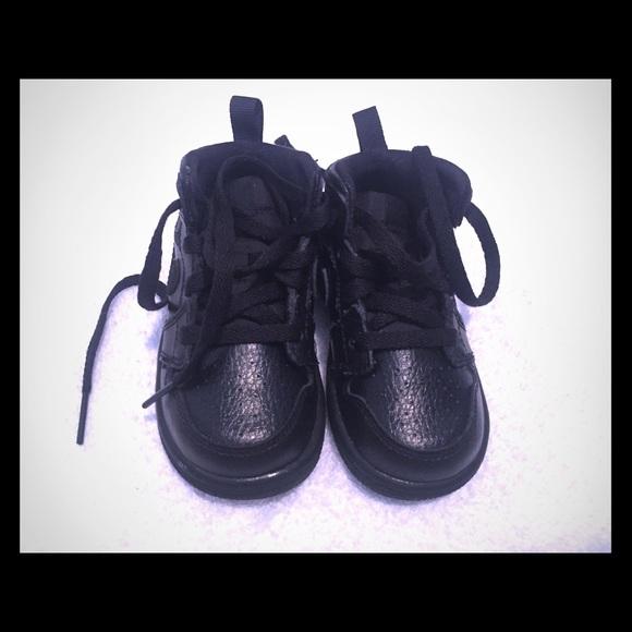 545787e3e71e Jordan Other - Kids Air Jordan 1 retro black size 5c